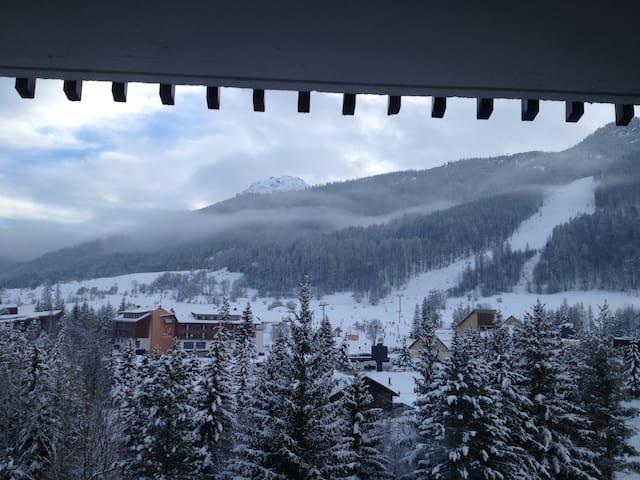 studio + alcove bottom ski slopes - la salle les alpes - Apartment