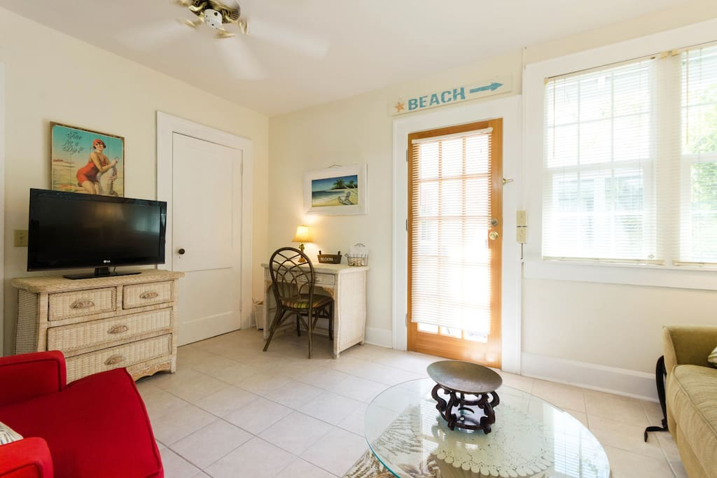 Pass A Grille Beach Bungalow 1 Bedroom Sleeps 4 Apartments For Rent In Saint Pete Beach