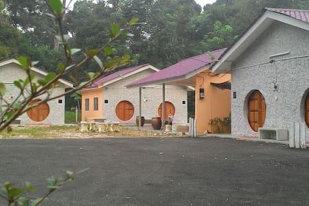 The/Dhobbit Chalet  Gopeng, Perak - Gopeng
