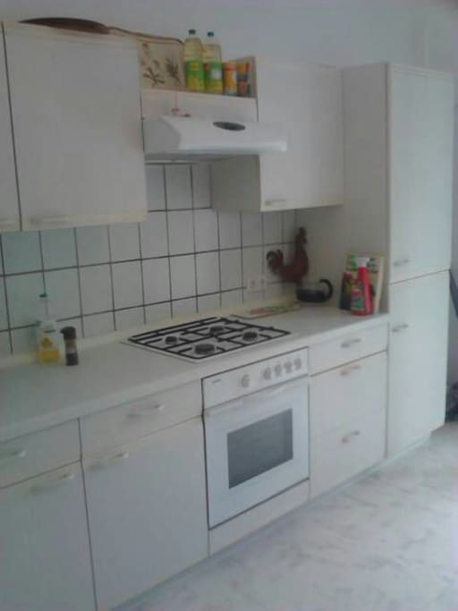 Die Einbauküche mit Gasherd (1. OG)