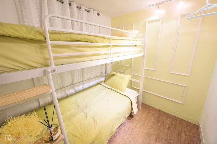 Hong dae station exit3 green bunk bed room