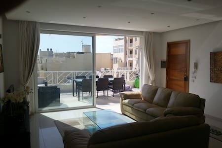 Penthouse in sliema - large terrace and sea view - 斯利马(Sliema) - 公寓