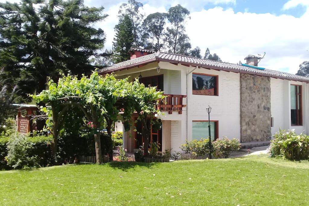 Dormitorio Quinta ~ Quinta Emilia en Tababela Dormitorios para huéspedes en alquiler en Quito, Pichincha, Ecuador