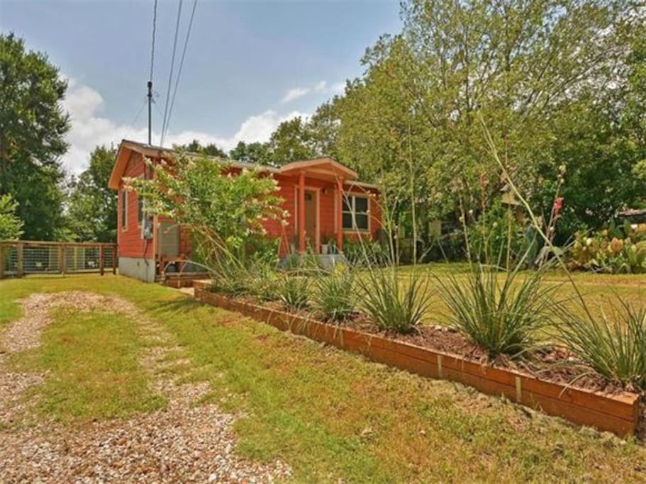 Just Peachy 2 Bedroom House Houses For Rent In Austin Texas United States