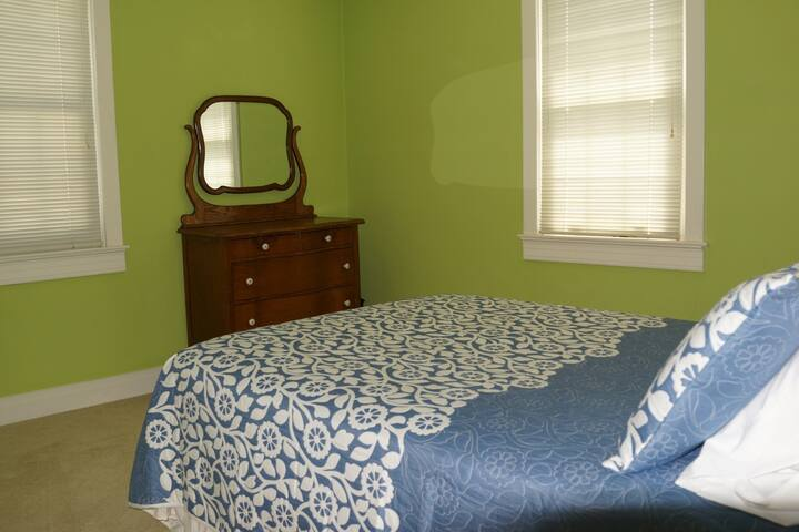 Bedroom 2 - Full Size