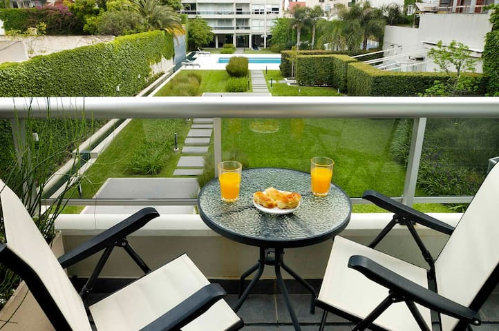 Luxurious 2 bedrooms Apartment