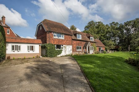 Detached Annexe in Four Elms - Kent - Bed & Breakfast