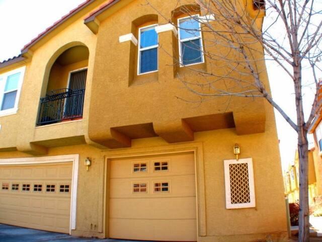 2 bd 2 bth Condo in Gated Community - Albuquerque - Appartement en résidence