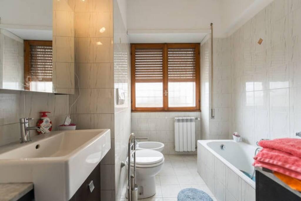 Stanza matrimoniale bagno privato appartamenti in - Stanza bagno privato roma ...
