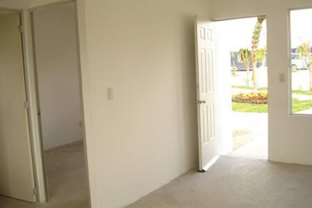 Casa sola, en  Fraccionamiento - Cancún