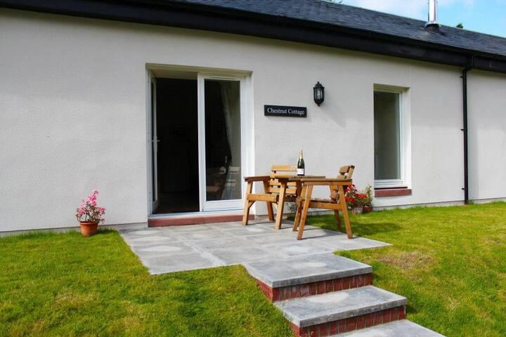 Chestnut Garden Cottage 377238 - Arden