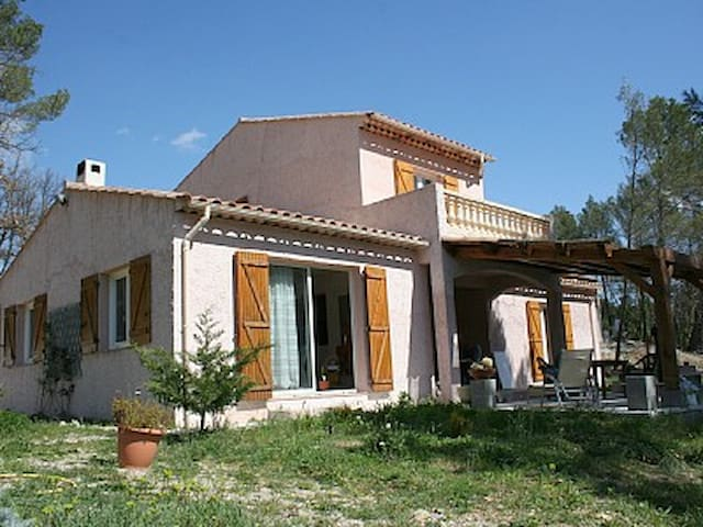 Spacious villa in the heart of Var - Figanières - House