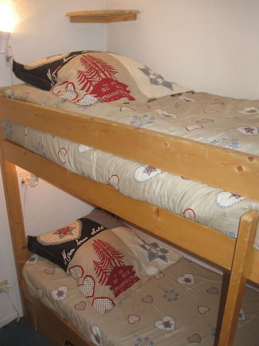 chambre avec lits à étages