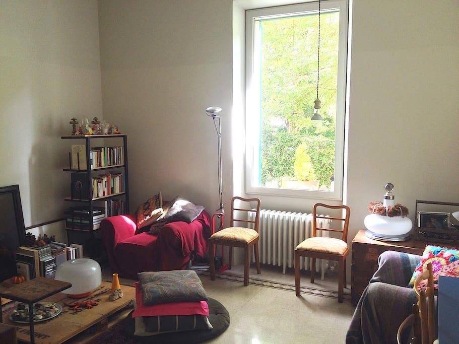 beautiful design apartment in rome wohnungen zur miete in rom latium italien. Black Bedroom Furniture Sets. Home Design Ideas