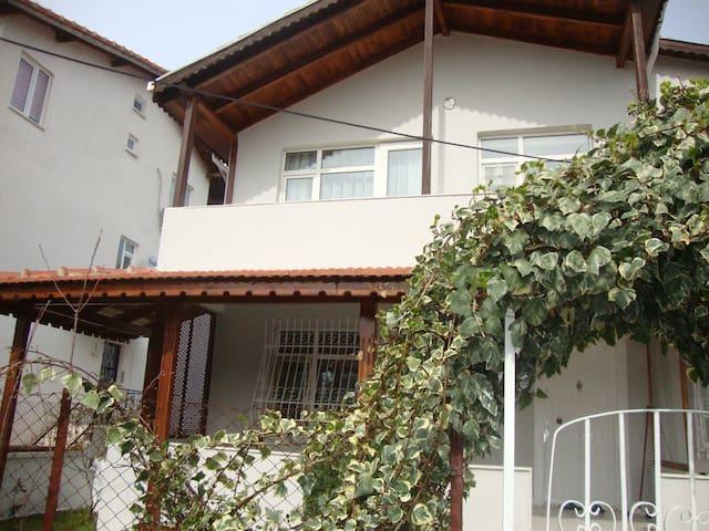 AE2 Guest House - Eceabat - Casa