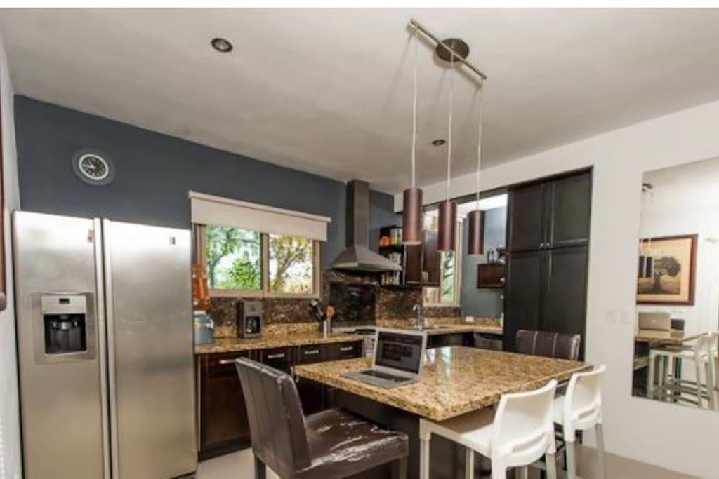 Great modern Kitchen.