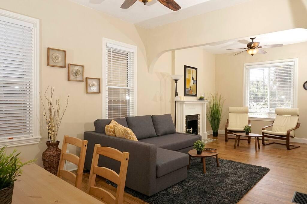 Bright, sunny living room!
