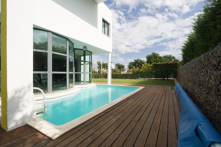 Family Villa, Pool, Golf nr Lisbon - Quinta do Anjo - House
