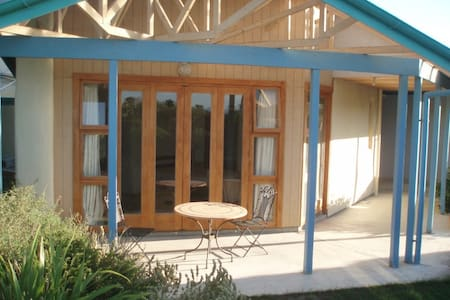 Self contained straw bale studio - Martinborough