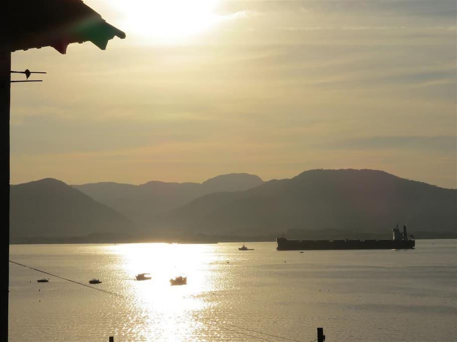 Vista do pôr do Sol da Baía
