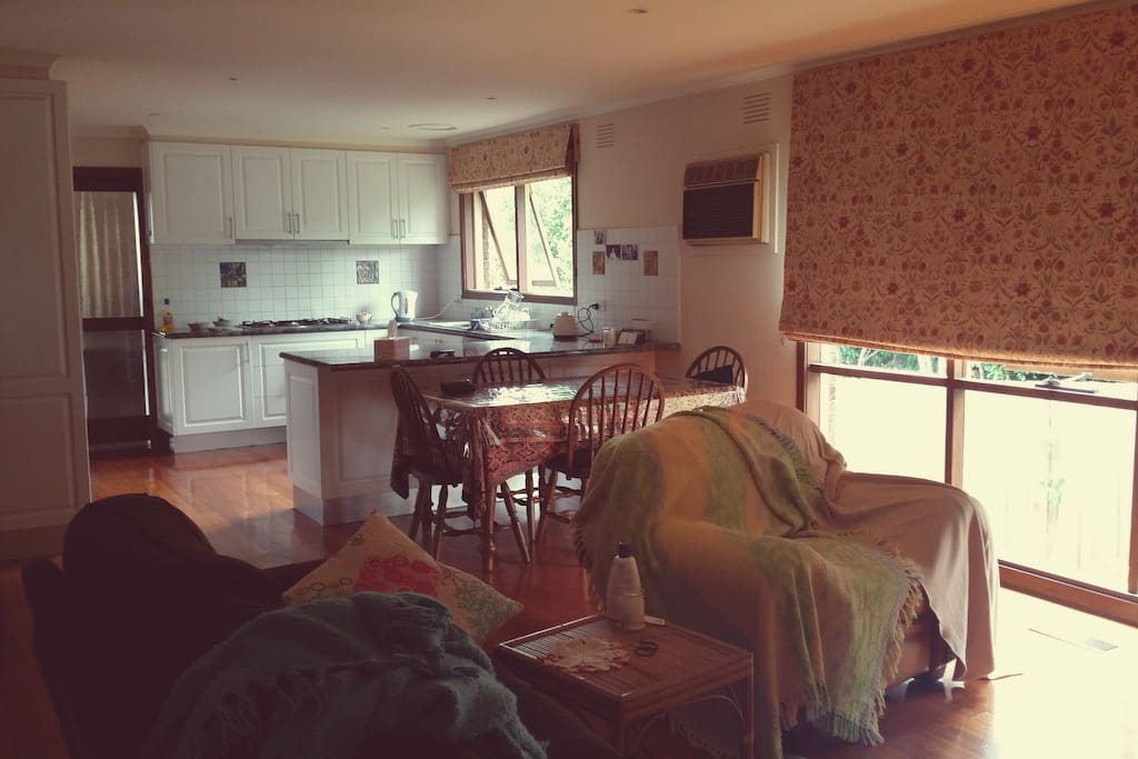 Large kitchen and dining area. Modern appliances.