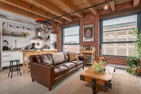 Cozy loft in the heart of gastown! - Vancouver