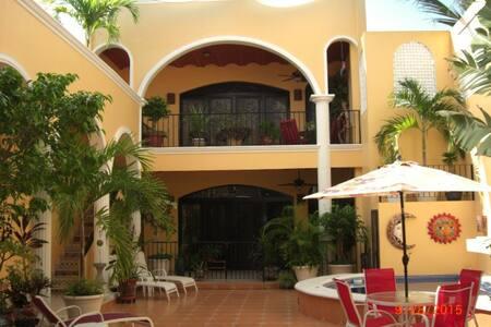 Casita Encantada One -- El Centro - Mazatlán