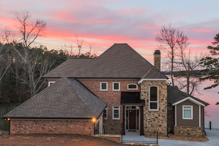 Brand New Lake House Great Location - Buford - Casa