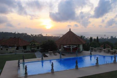 Taman Ujung Villas One Bedroom - Karangasem - Villa