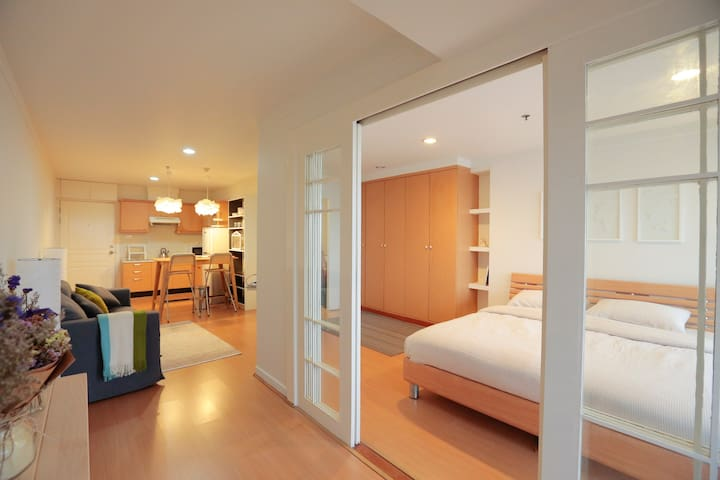 Charming 1BDR near BTS and Emporium - Bangkok - Leilighet