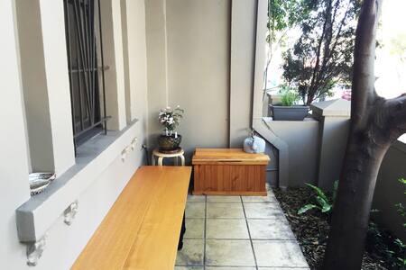 Retro Apartment in the Best Area!