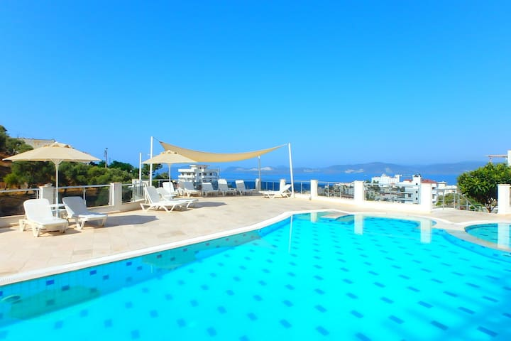 Aegean view Penthouse in Gulluk - Güllük - Apartamento
