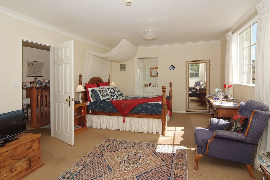 Shakespeare suite with ensuite sleeping up to four