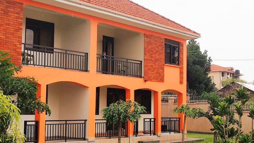 Fully Furnished House in Kampala Uganda - Kampala - House