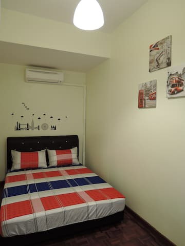 Queen Bedroom @ THE P!LLOHOUzzze - Melaka - Casa