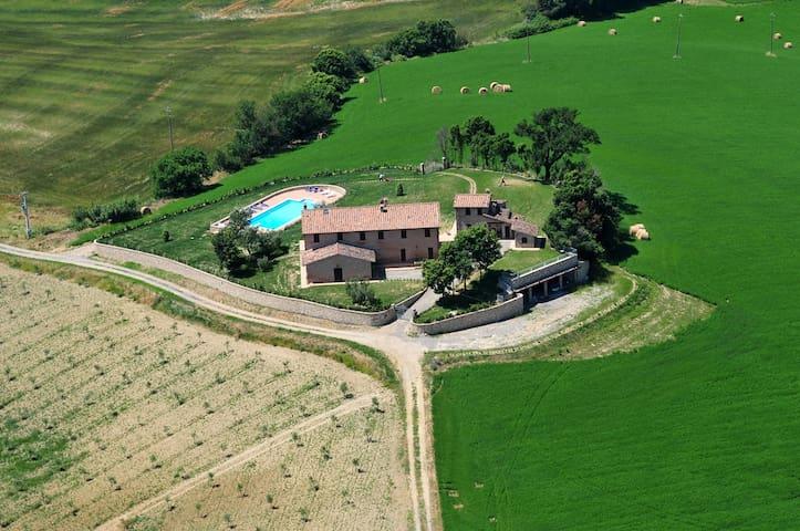 Tuscany, Exclusive Villa 16+5 beds - Chianciano Terme - วิลล่า