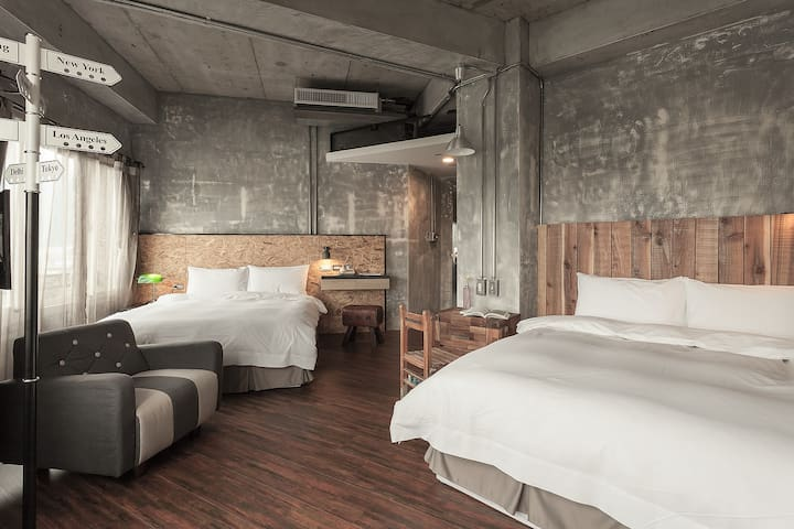 四人豪華套房 Deluxe Two Double Beds Priva