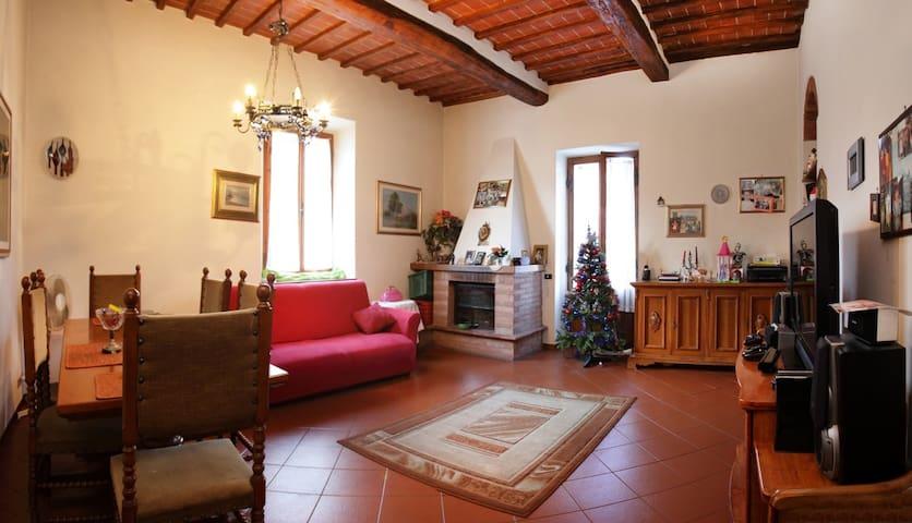 """Appartamento """"Eroica"""" Via Ricasoli - Gaiole In Chianti - Apartment"""