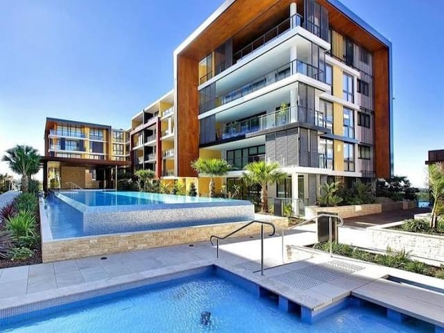 Luxury Modern Apartment - Ryde - Apartmen