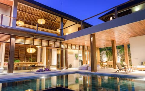 Exclusive sea view villa