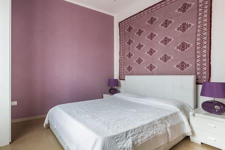 Charming house whit terrace - Seneghe - 家庭式旅館