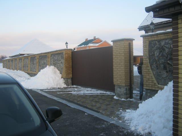 Загородний дом - Bilohorodka - Huis