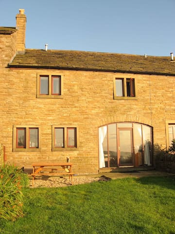 Midsummer Barn Holiday Cottage - Darwen - Hus