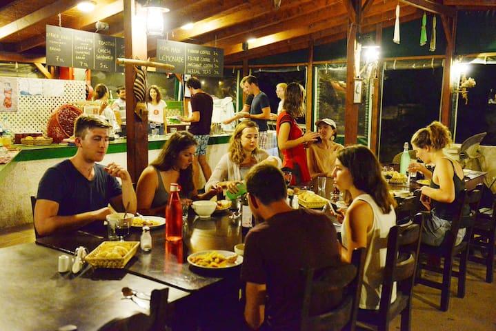 Bodrum Ecofarm Camp & Hostel.. 1 - Turgutreis - ที่พักพร้อมอาหารเช้า