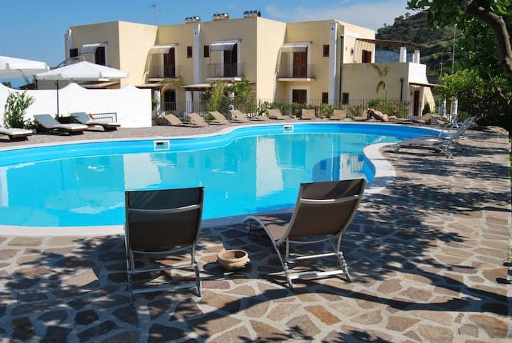 Villa Saraceno vicino al Centro con Piscina 5