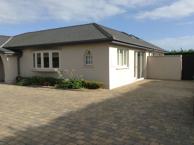 Stunning large house close to beach - Rosslare - Bungalow