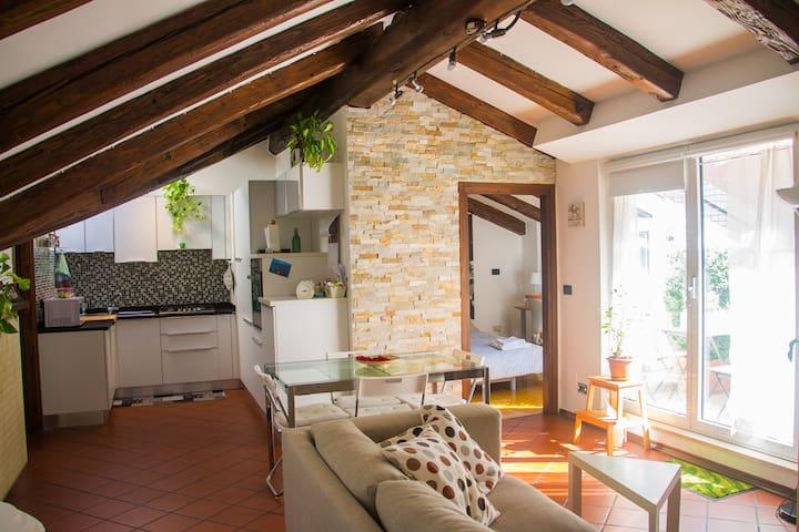 Luminosa e accogliente mansarda - Trieste - Daire