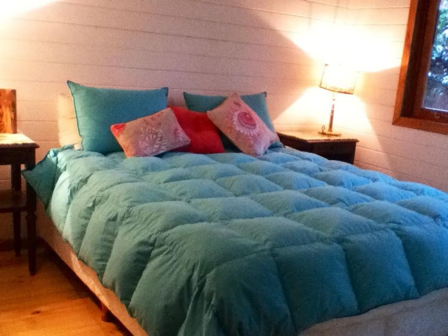 Cama Queen sommier muy confortable