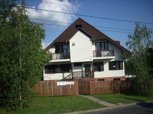 Miskolc-Tapolca családi ház - Miškolc - Dům