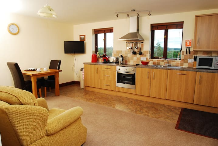 beautiful self cater cosy cottage - Cockermouth - House